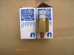 3056344美国康明斯NTA855发电机配件油压报警开关*