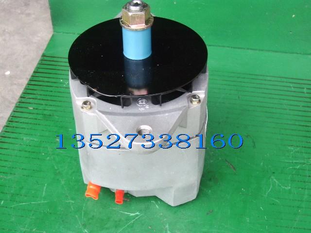 康明斯M11-C175-T160发动机3904073充电机总成