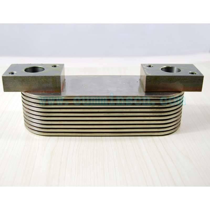 康明斯K19发动机配件机油冷却器3331668